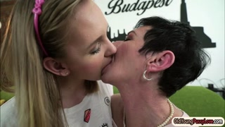 Teen Pixie tastes granny Lucettes pussy