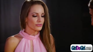 Kristen Scott makes Kimmy Granger squirt