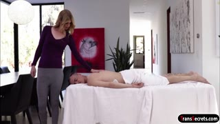 Ts Mandy Mitchell giving erotic massage