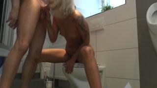 Porno Sternchen Cora2Hot mit Pornodarsteller Asuran
