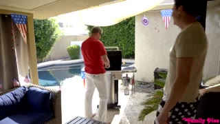 MyFamilyPies - Rosalyn Sphinx, Whitney Wright Fourth Of July Extended Family Bang