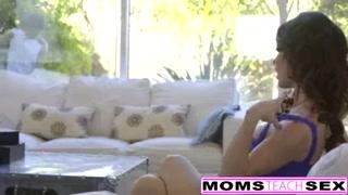 Teen Elsa Denim & StepMom Jessica Jaymes FFM Hookup (momsteachsex)