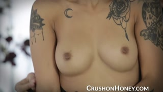 CrushGirls - Hooking Up Babe Golds love-hole